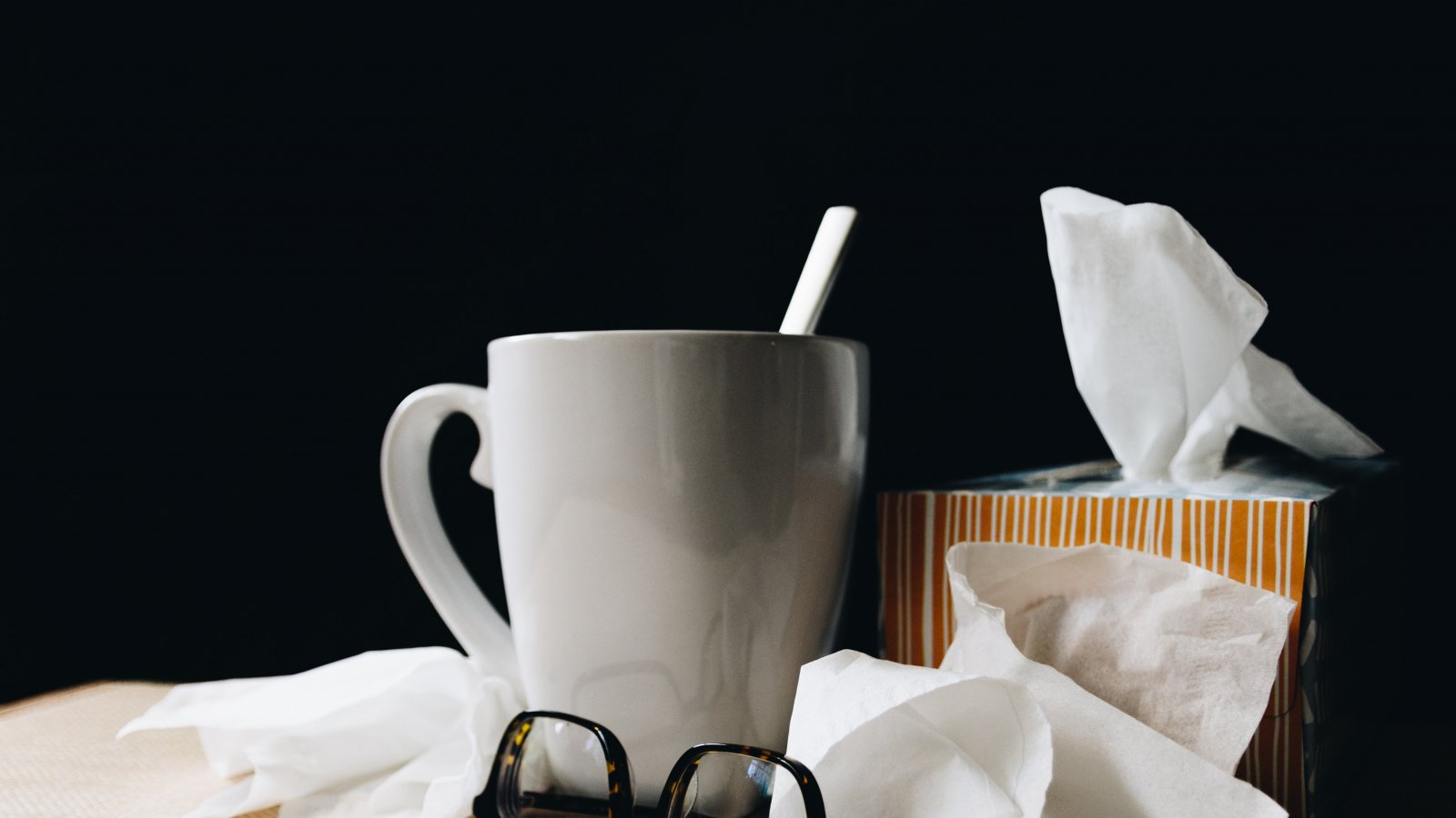 Mug with tissues