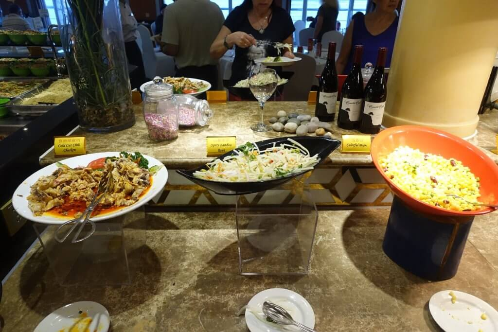Meal options on Yangtze River Cruise