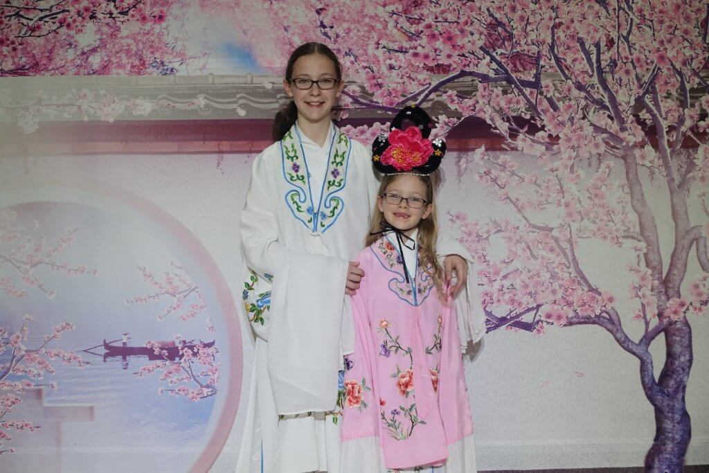 Dressing up in traditional Chinese dress