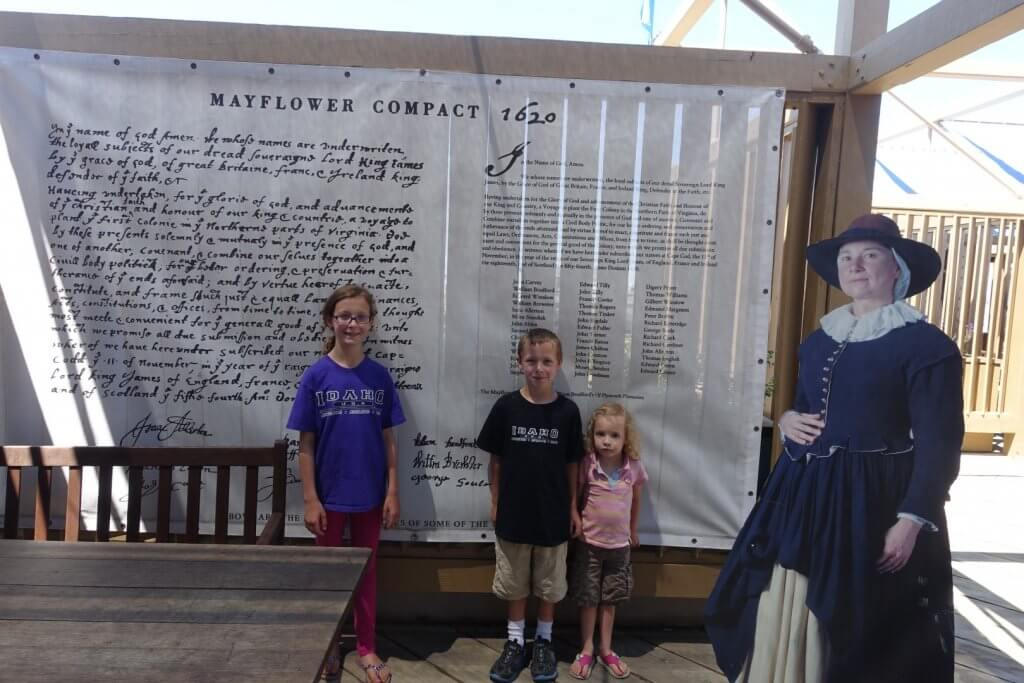 kids in front of museum display