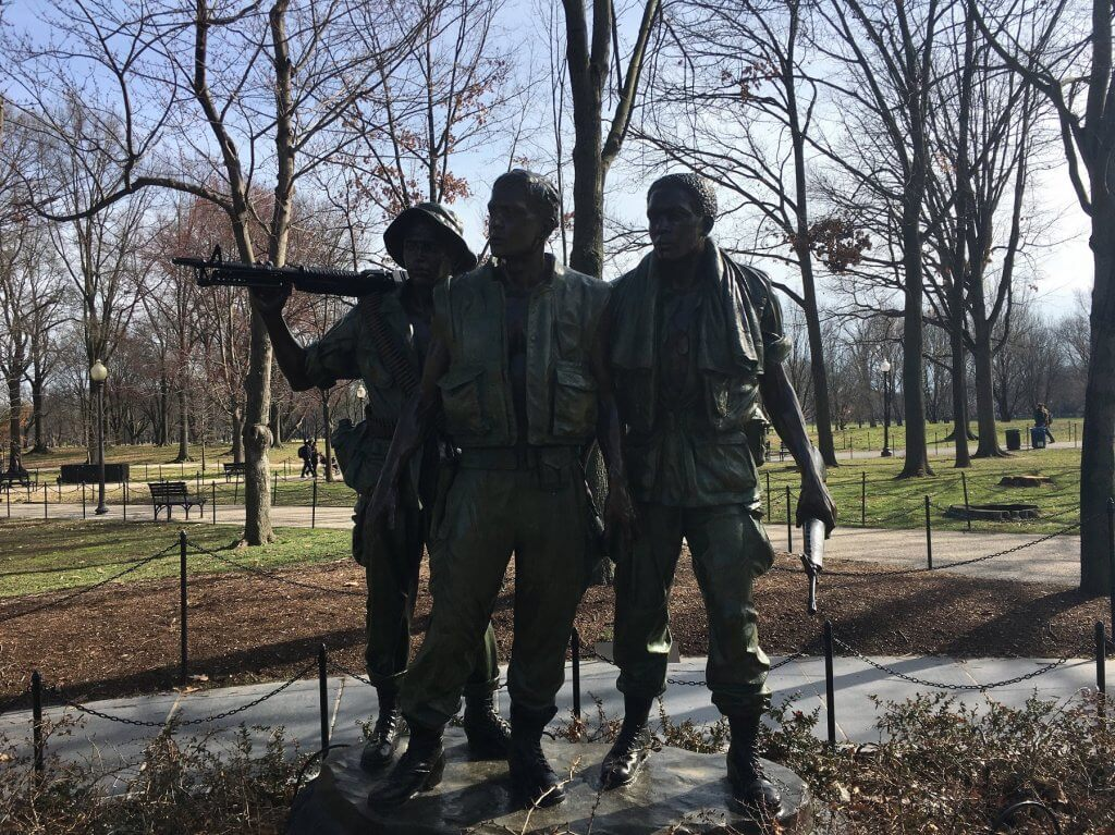 statue of three soldiers