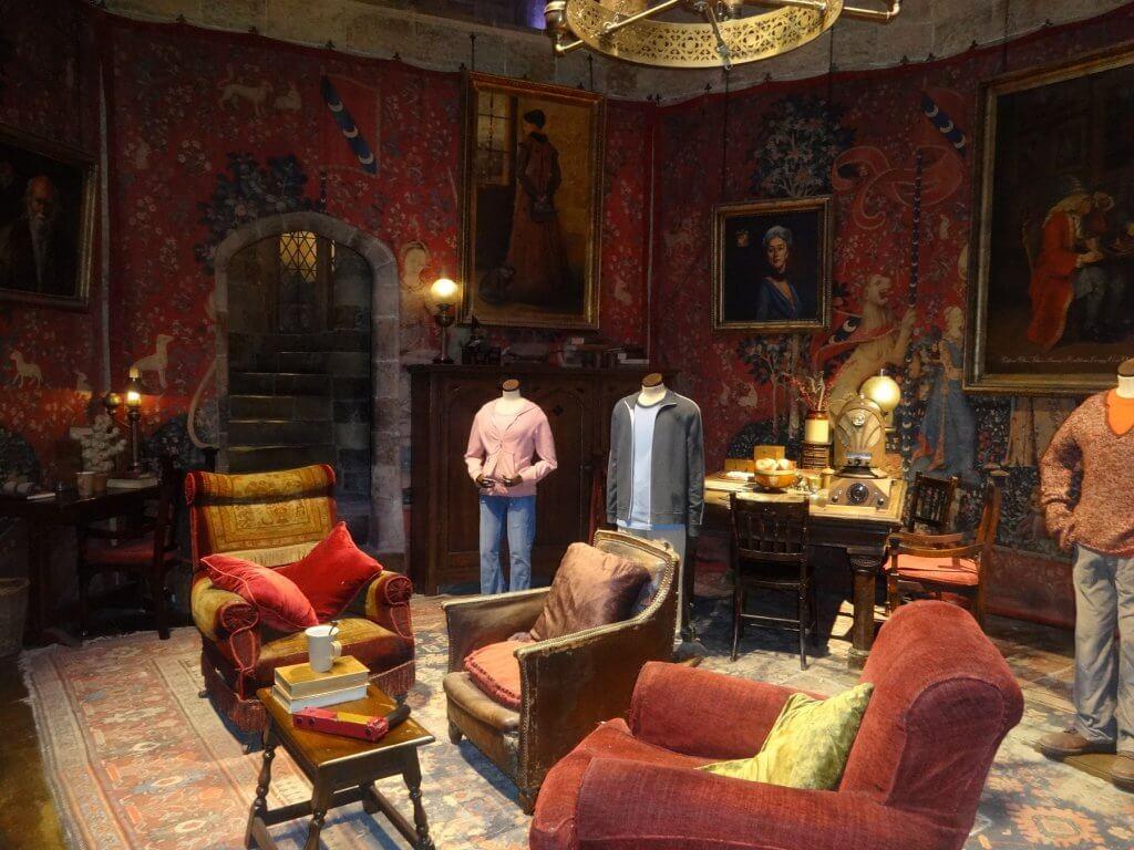 movie set of indoor lounge